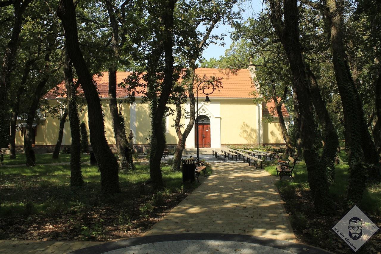 KÉP / Kármelhegyi Boldogasszony kápolna