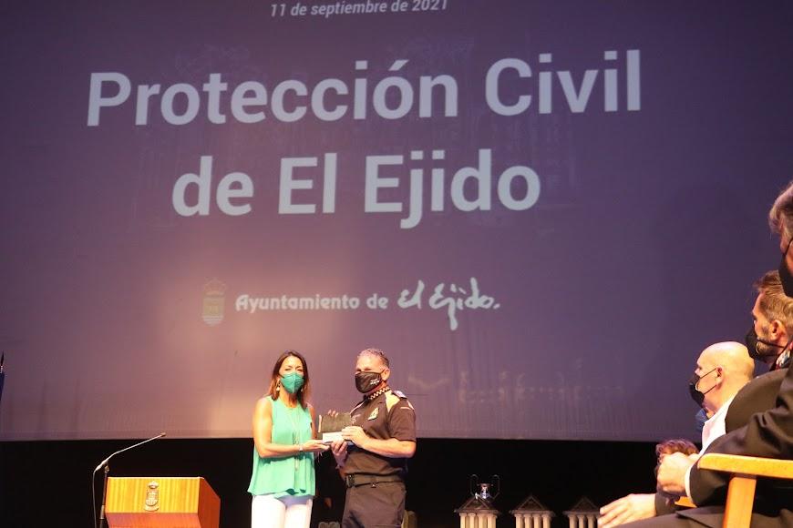 Protección Civil fue reconocido por la lucha ante la covid.