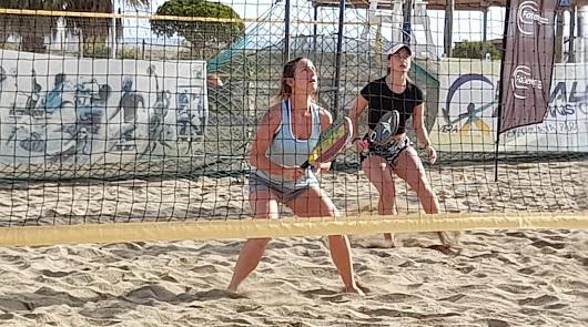 Vera corona a los nuevos campeones de Andalucía de tenis playa