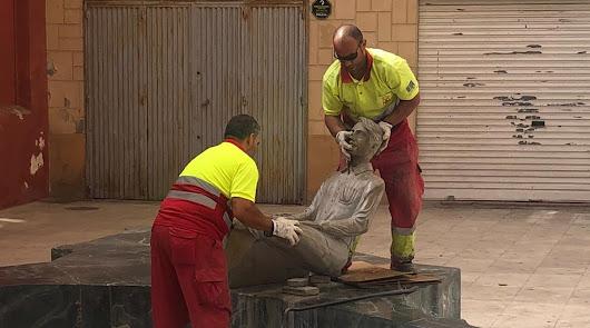El vandalismo se ceba de nuevo con la estatua del emigrante