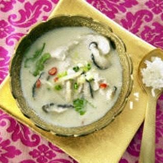 Kokosnusssuppe mit Hähnchen (Tom Kah Gai)