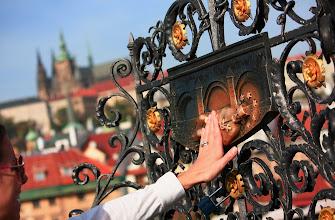 Photo: Praha - Karlův most - místo shozu Jana Nepomuckého do Vltavy.  Pohlazením reliéfu se, prý, vyplní tajné přání :-)