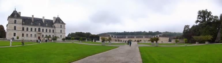 """Photo: Château d""""Ancy-Le-Franc"""
