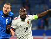 🎥 Romelu Lukaku en zijn grote voorbeeld dollen met elkaar: Drogba deelt prikje uit, Big Rom dient hem van repliek