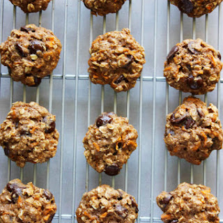 Healthy(-ish) Chocolate Chip Carrot Cake Cookies