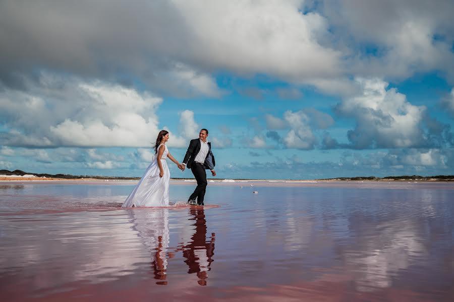 Wedding photographer Leonel Longa (leonellonga). Photo of 14.12.2020