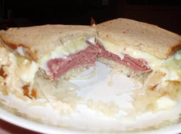 Easy Reubun Crockpot Sandwiches Recipe