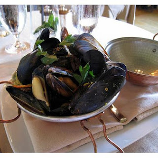 Mediterranean Mussels With Lemon Basil & Shallot