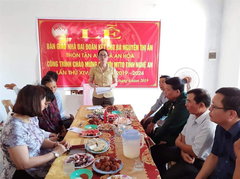 Lễ bàn giao nhà cho bà Nguyễn Thị Ân, giáo xứ Phú Yên, xã An Hoà