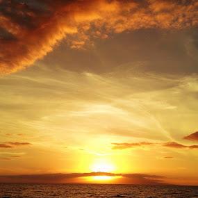 Hawaiian Sunset by Lori Nordlund - Instagram & Mobile iPhone