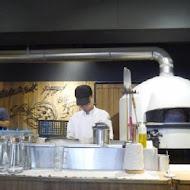 薄多義義式手工披薩