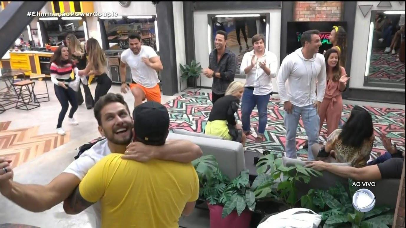 Eliéser e Kamilla Salgado retornam para a casa do'Power Couple Brasil 4'