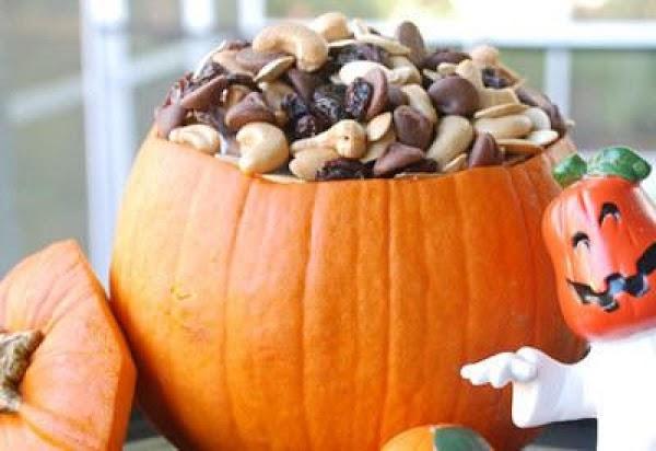 Party Pumpkin Trail Mix Recipe