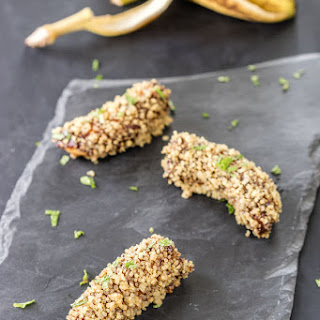 Crunchy Chocolate-Dipped Quinoa-Coated Bananas!
