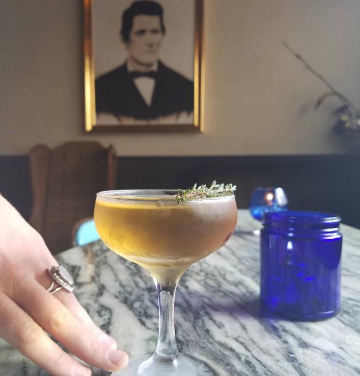 La Europa: French gin, cinchona, cocchi americano, peat, bitters. Photo: Benjamin Cooper.