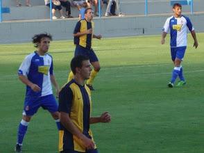 Photo: Raul Verdu, Marc Vila y Piferrer marcando a Osvaldo
