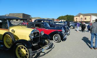'El Oeste' recibe a los automóviles antiguos