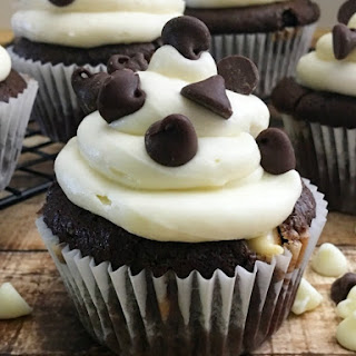 Oh So Fancy, Black and White Cupcakes