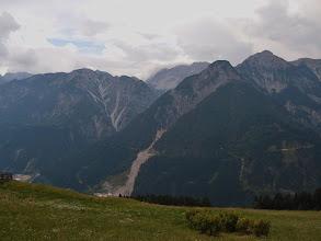 Photo: Uitzicht op het Pustertal vanuit Bichl.