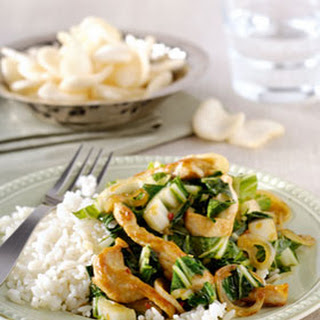 Chinese Soja-Sesamkip met paksoi en rijst