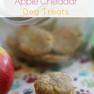 <h2>Homemade Apple Cheddar Dog Biscuits
