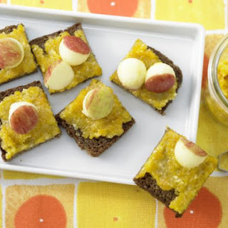 Apricot Spread with Almonds