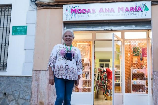 Modas Ana María, cerca de casa, en Huércal de Almería, es una tienda de ropa, complementos, mercería y bisutería.