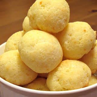 Pao de Queijo (Brazilian Cheese Bread).