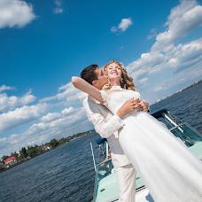 Wedding photographer Larisa Erikson (YourMoment). Photo of 25.01.2015