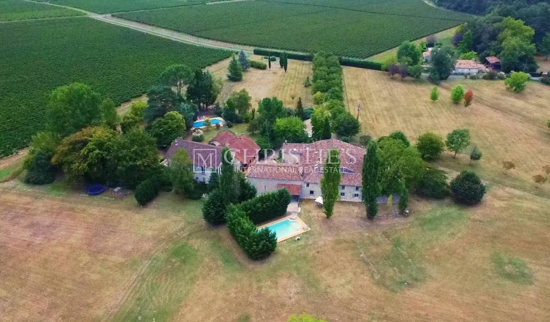 Maison avec piscine et terrasse Eynesse