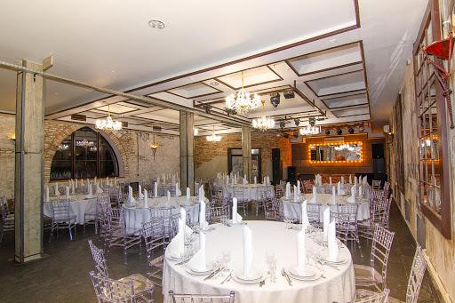 Зал для свадьбы в Загородный клуб Айвенго за городом в Подмосковье 2