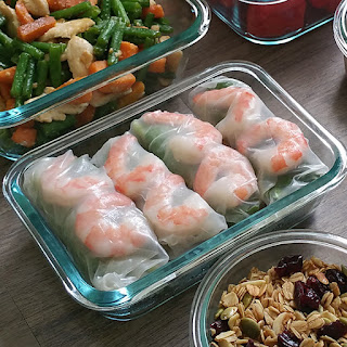 Shrimp and Spinach Rice Paper Rolls with Peanut Sauce