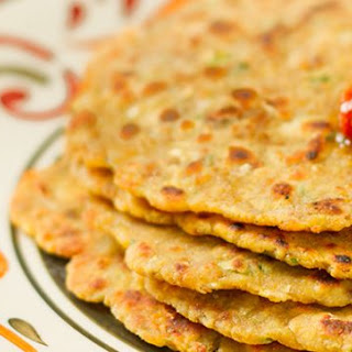 Chicken Missi Roti – Indian flatbread with Chicken.