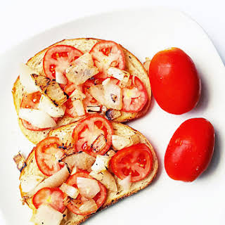 Tomato and Onion Toast.