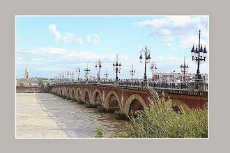 Photo: Le Pont de pierre