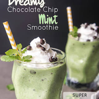 Dreamy Chocolate Chip Mint Smoothie.