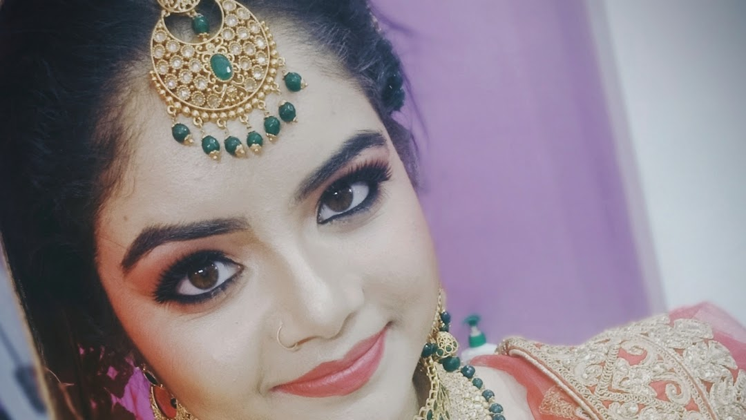 Kalpna S Beauty Lounge Ladies Women Beauty Parlour Bridal Makeup In Hamirpur Salon In Hamirpur Beauty Salon In Hamirpur Himachal Pradesh