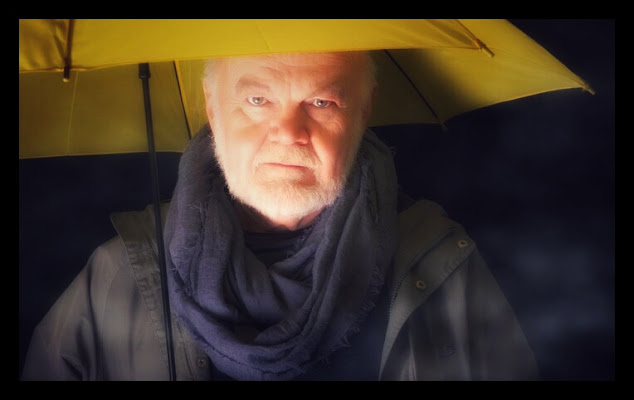 A Yellow umbrella  di SoraiaShine