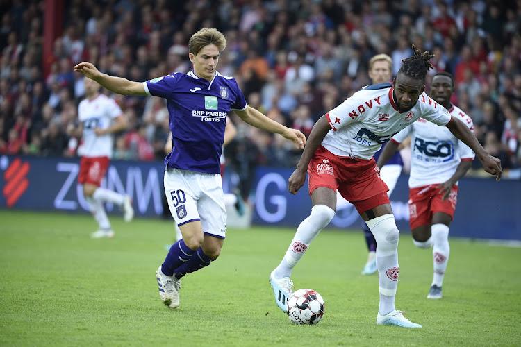 Pelé Mboyo prolonge son contrat avec le KV Courtrai