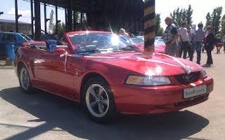 Ford Mustang Cabriolet Rent Banskobystrický kraj