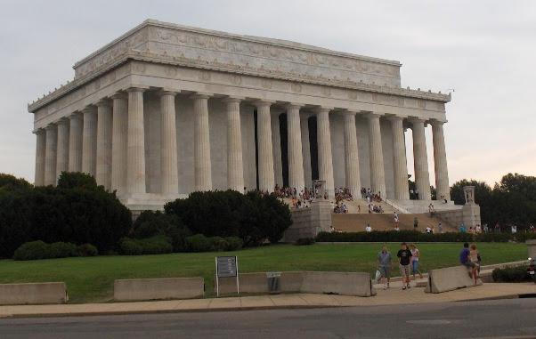 Memorial Lincoln