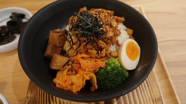 泡菜鍋燒飯、咖哩濃湯麵,真材實料!!