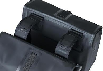 Basil Urban Dry Double Panner - 50L Black alternate image 5
