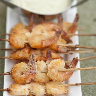 Crunchy Prawn Skewers With Lemony Avocado Dip