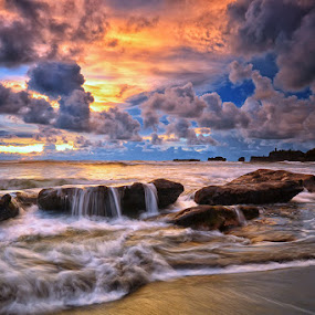 Dreaming by Hendri Suhandi - Landscapes Waterscapes ( clouds, bali, sunset, wave, stone, beach, sunrise, landscape )