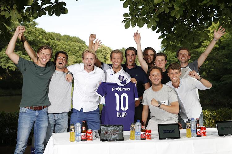 """Vlap (en zijn vrienden) charmeren:""""PSV, Ajax, Feyenoord... mooie clubs, maar hier wilden ze me echt"""""""