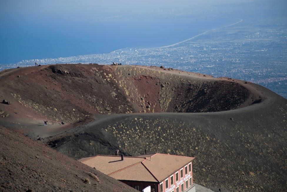 wulkan Etna widok na zatokę katańską