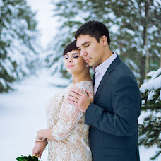 Wedding photographer Mila Aksenkina (Milaaks). Photo of 24.12.2013