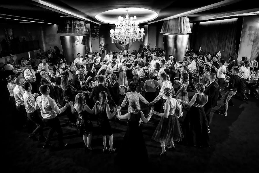 Wedding photographer Marius Marcoci (mariusmarcoci). Photo of 12.04.2017