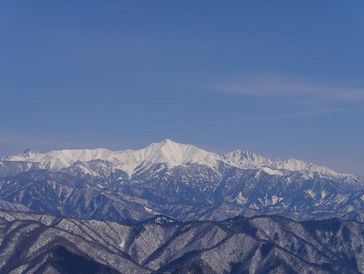 笠ヶ岳と後ろに槍ヶ岳や穂高連峰